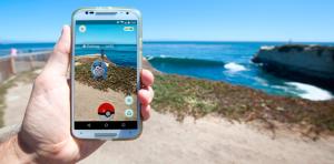 Jogo utiliza tecnologia de realidade aumentada, que coloca os 'monstrinhos' em paisagens reais quando vistos através da câmera do celular