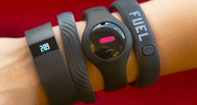 TEC Gift Guide Fitness Trackers