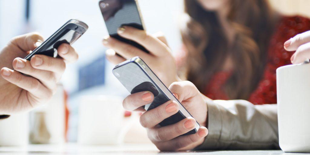 Enviando mensagem de texto no celular